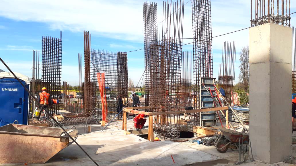 Oct. 2020 Inicio construcción pisos superiores obra gruesa, subterráneo construido (2)