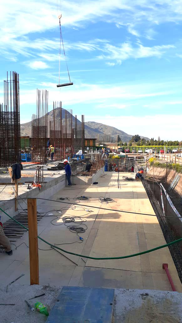 Oct. 2020 Inicio construcción pisos superiores obra gruesa, subterráneo construido (3)