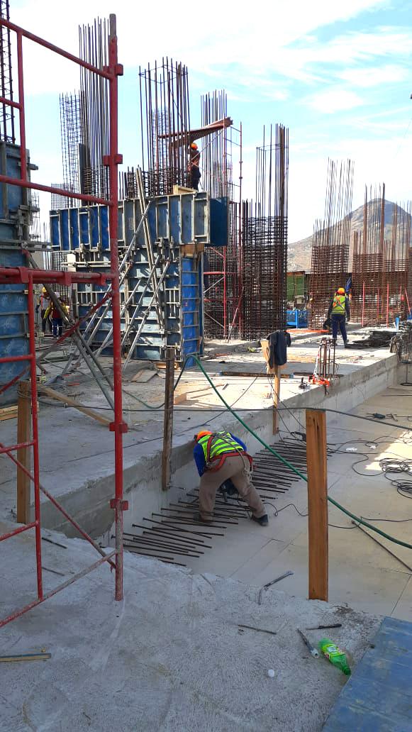 Oct. 2020 Inicio construcción pisos superiores obra gruesa, subterráneo construido (4)